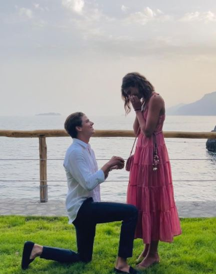 Daniel-Fryer-proposes-to-Taylor-Hill