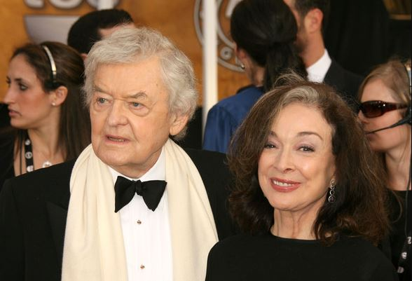 Hal-Holbrook-with-wife-Dixie-Carter