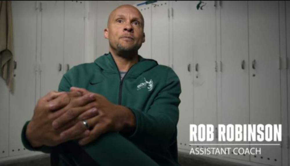 Who Is Rob Robinson From Last Chance U: Basketball & Where Is He Now?